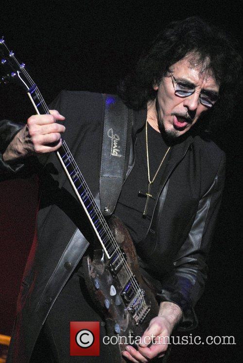 Tony Iommi 4