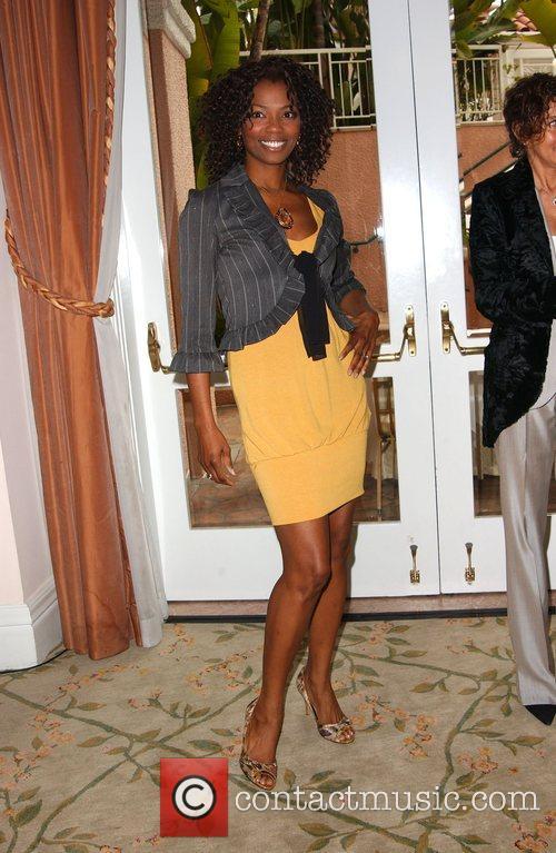 Essence magazine celebrates black women in Hollywood at...