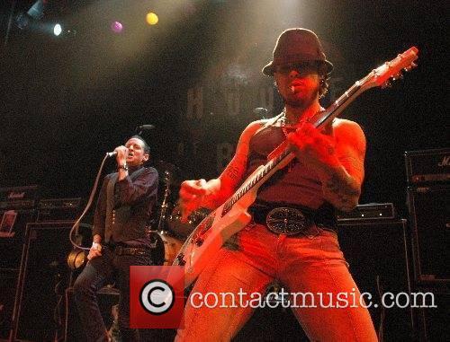 Chester Bennington and Dave Navarro Dimebag Darrell's Blacktooth...