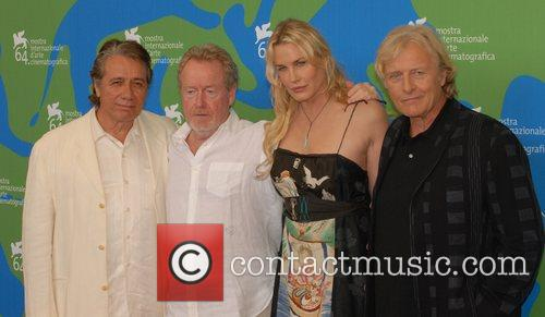 Edward James Olmos, Ridley Scott, Daryl Hannah...