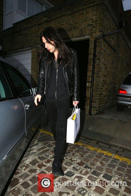 Blake Wood Leaving Amy Winehouse hew home....