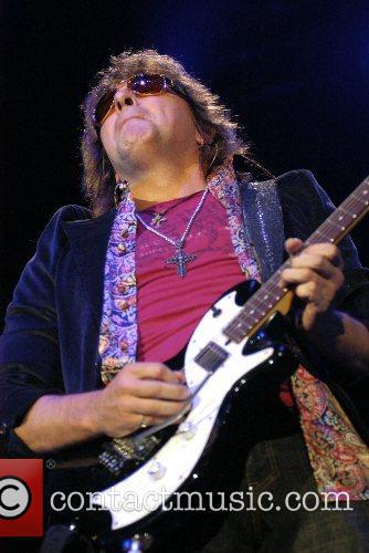 Bon Jovi Performing