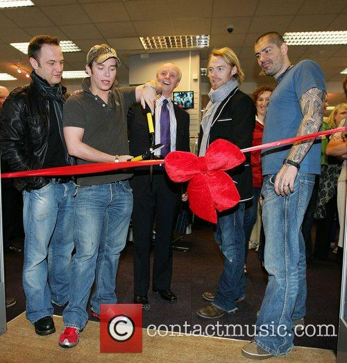 Mikey Graham, Keith Duffy, Ronan Keating and Shane Lynch 8