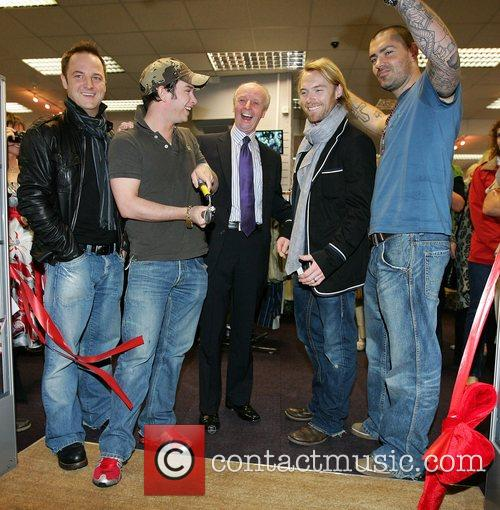 Mikey Graham, Keith Duffy, Ronan Keating and Shane Lynch 6