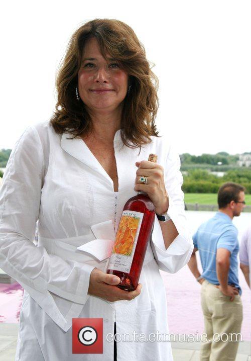 Lorraine Bracco 10