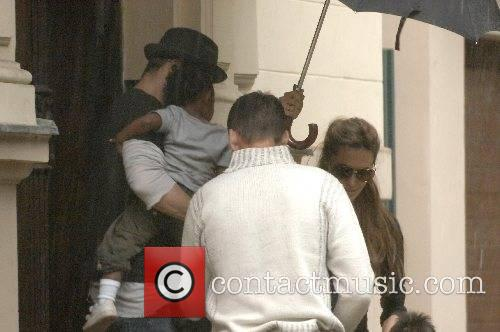 Brad Pitt and Angelina Jolie pick up Zahara...