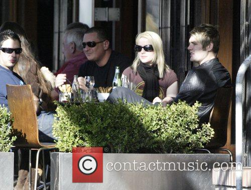 Brian McFadden having lunch with friends at Sienna...