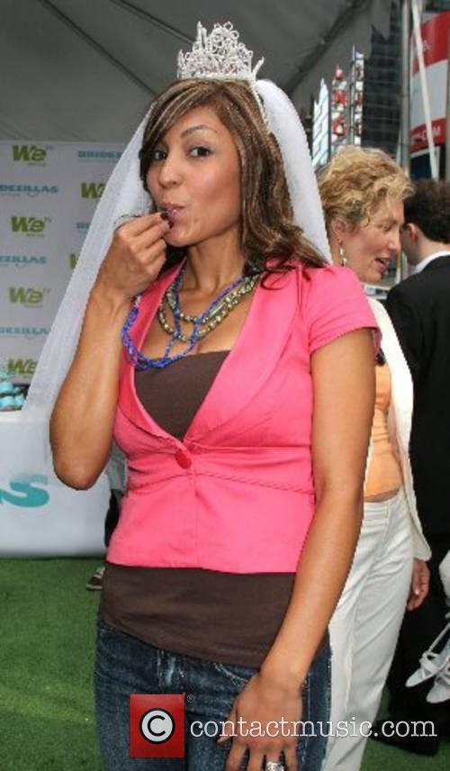 Andrea DeSoto WE TV's 'Bridezillas' ring in new...