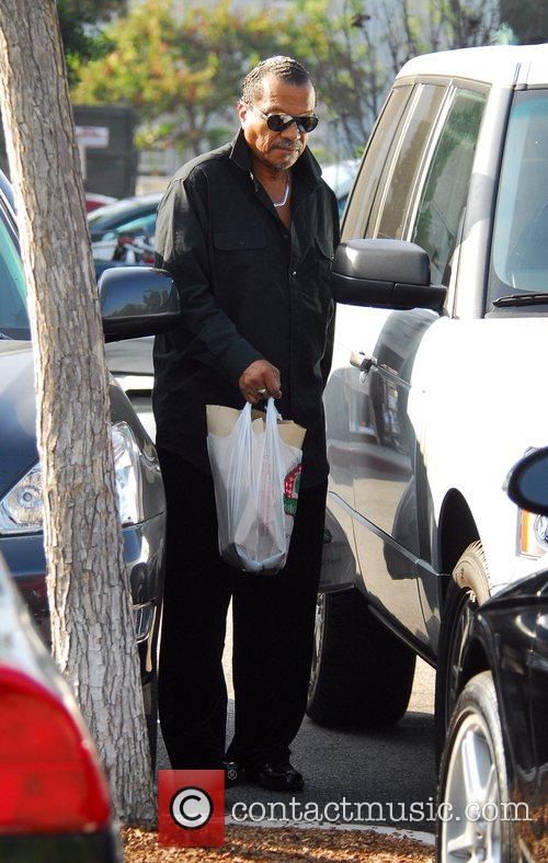 Billy Dee Williams shopping at Bristol Farms food...