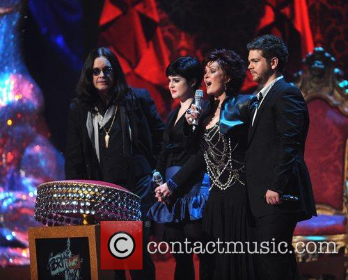 Ozzy Osbourne, Kelly Osbourne and Sharon Osbourne 4