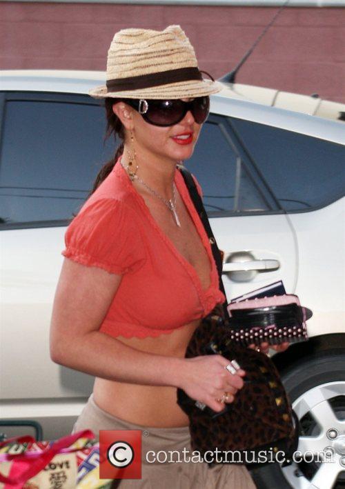 Britney Spears arriving at Millenium dance studios