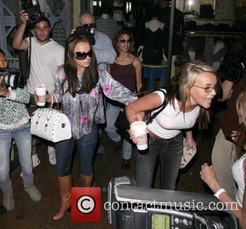 Britney Spears and Jamie Lynn Spears 9
