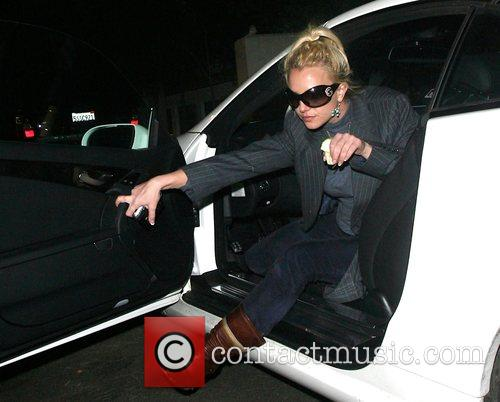 Britney Spears and Apple 5