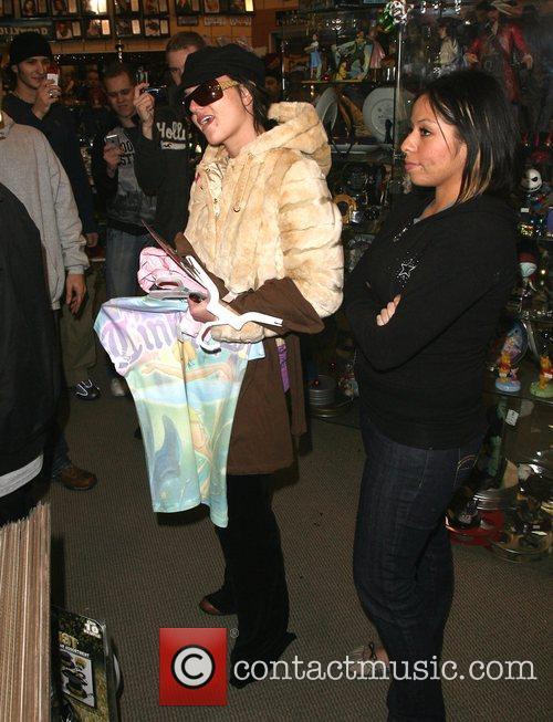 Britney Spears, Jamie Lynn Spears, Thursday