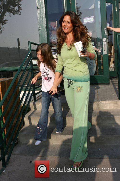 Brooke Burke at Starbucks with her daughter in...