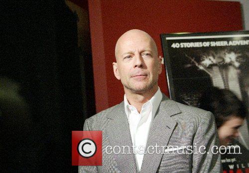 Twentieth Century Fox and Bruce Willis present objects...