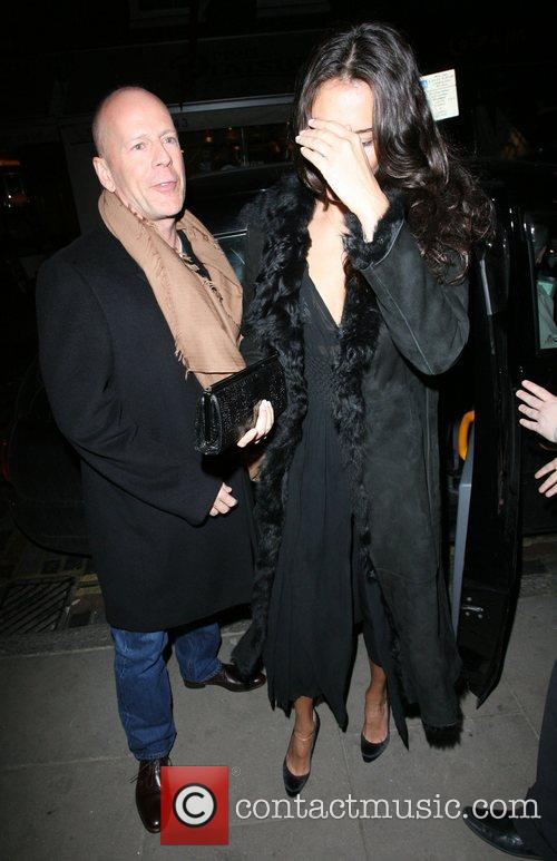 Bruce Willis, His New Girlfriend Emma Heming Arrive Back At Their Hotel and Having Had Had Dinner At The Ivy Restaurant. 11