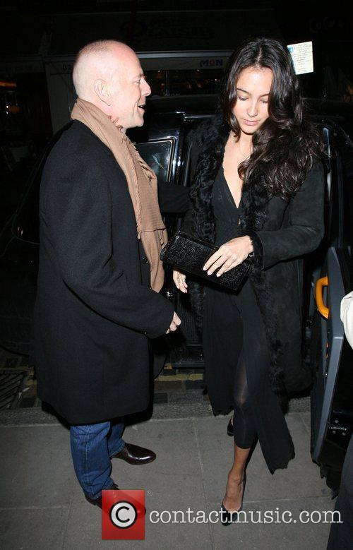 Bruce Willis, His New Girlfriend Emma Heming Arrive Back At Their Hotel and Having Had Had Dinner At The Ivy Restaurant. 4
