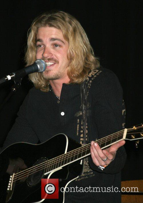 Bucky Covington performs live at the Boulder Station...