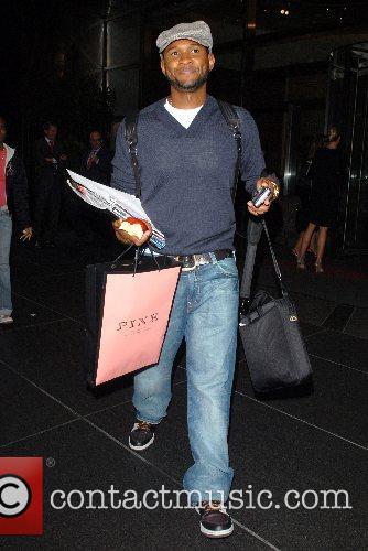 Apple, Usher Raymond
