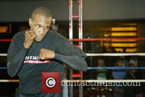 Light Heavyweight Shaun George media work out at...