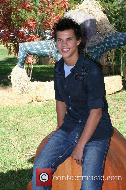 Taylor Lautner The 15th Annual Halloween Carnival to...