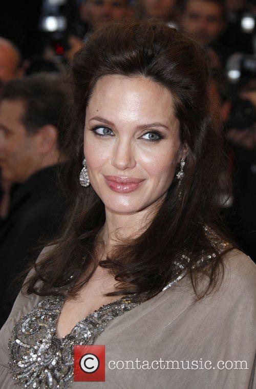 Angelina Jolie 24