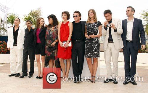 Jurors Apichatpong Weerasethakul, Alexandra Maria Lara, Alfonso Cuaron, Natalie Portman, Sean Penn and Sergio Castellitto 1