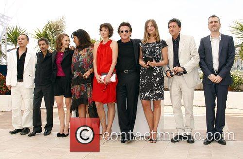 Jurors Apichatpong Weerasethakul, Alexandra Maria Lara, Alfonso Cuaron, Natalie Portman, Sean Penn and Sergio Castellitto 2