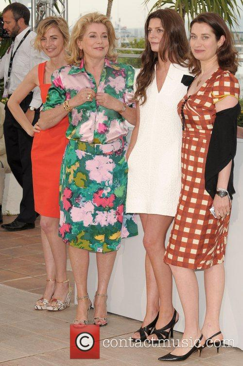 Anne Consigny, Catherine Deneuve, Chiara Mastroianni and Emanuelle...