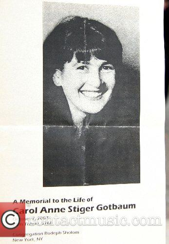 Carol Anne Gotbaum died in an Arizona Airport...