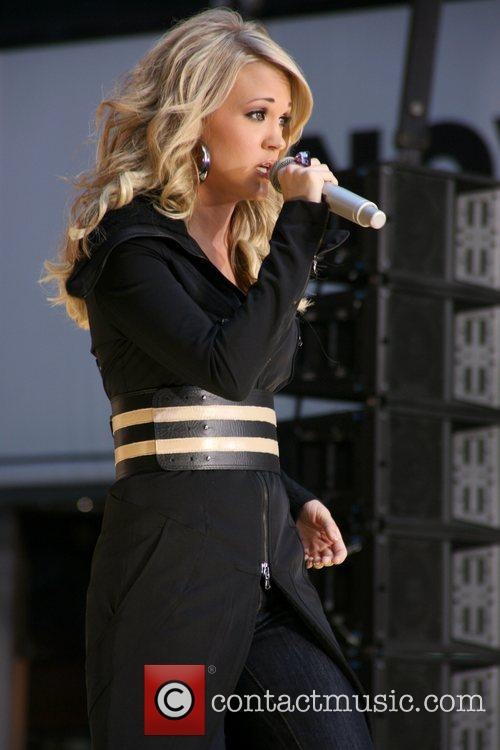 Performs on 'Good Morning America's' fall concert series...