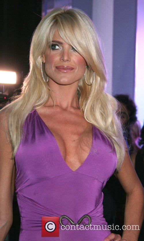Victoria Silvstedt 14