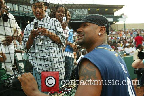 Guests 2007 Allen Iverson celebrity softball game at...