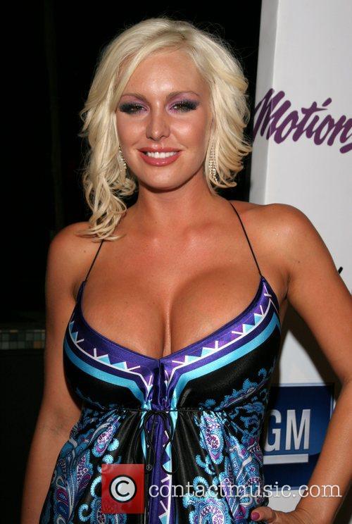 Dec 28, 2012 | Info Room Celebrity