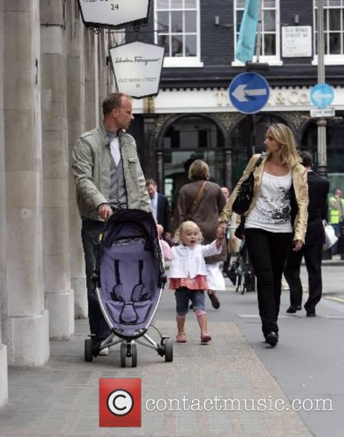 Dennis Bergcamp  and family shopping on bond...