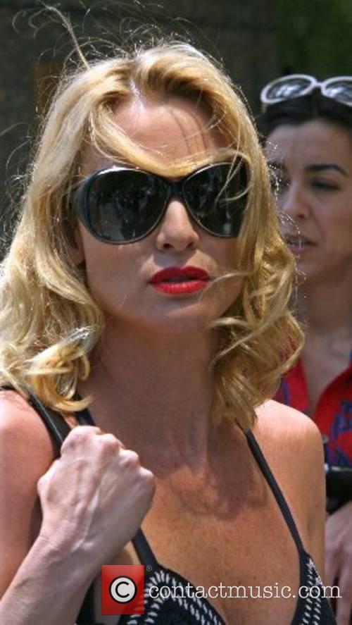 Nicollette Sheridan leaving her hotel in Manhatten New...
