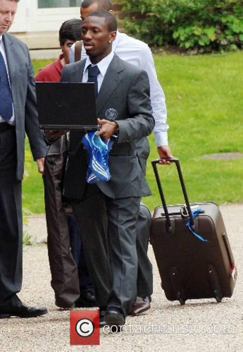 Shaun Wright-Phillips The Chelsea football squad leaving The...