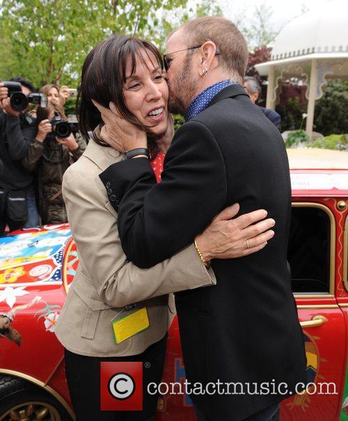 Olivia Harrison and Ringo Starr 7