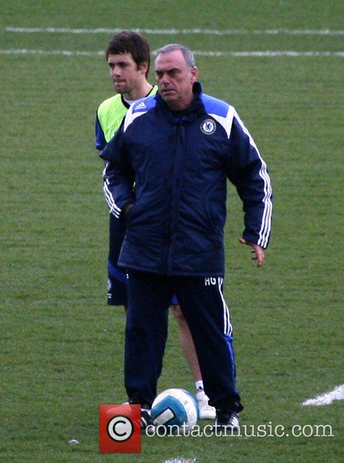 Joe Cole with manager Avram Grant  during...