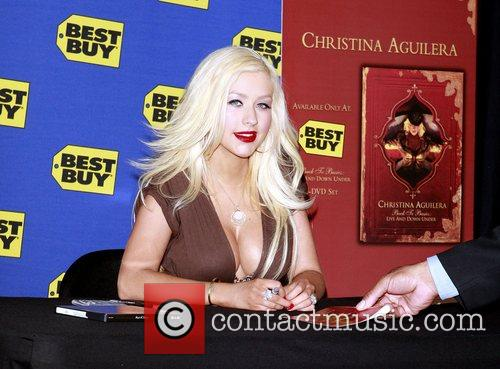 Christina Aguilera and Back To Basics 4