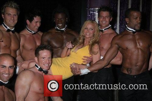 Cindy Margolis with Chippendales dancers Cindy Margolis at...