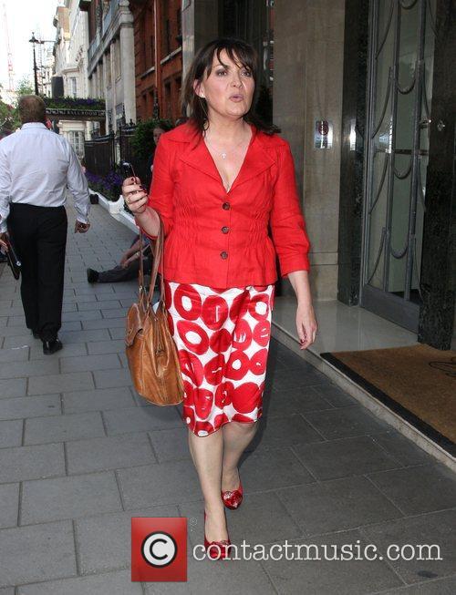 Lorraine Kelly leaves Claridges hotel