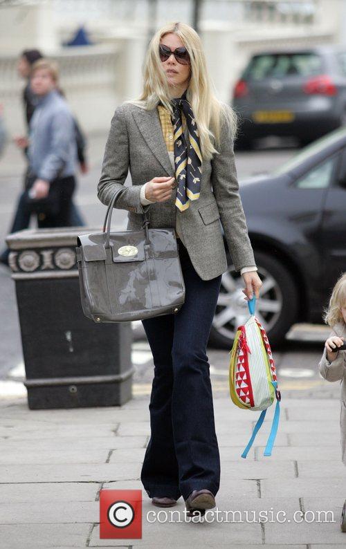 Claudia Schiffer walking her daughter Clementine to school...