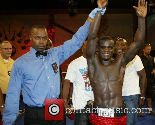 Joshua Clottey Joshua Clottey vs Felix Flores boxing...