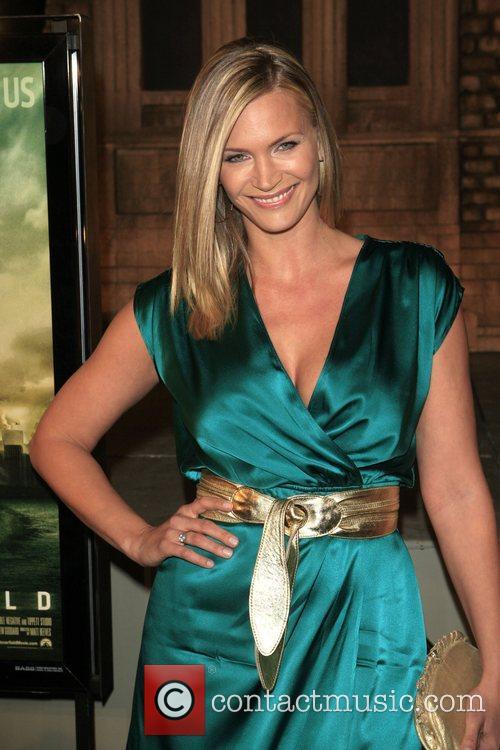 Natasha Henstridge Los Angeles Premiere of 'Cloverfield' at...