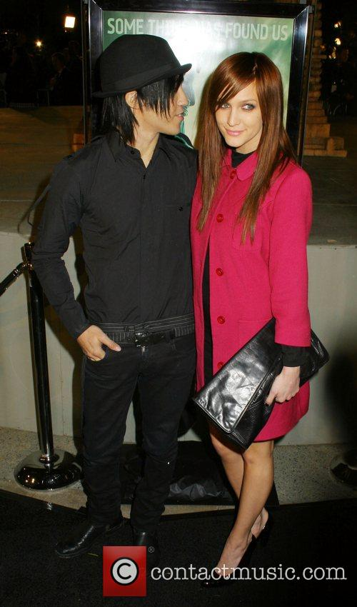 Pete Wentz, Ashlee Simpson Cloverfield Premiere held at...