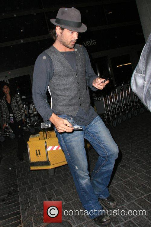 Colin Farrell arriving from London at LAX