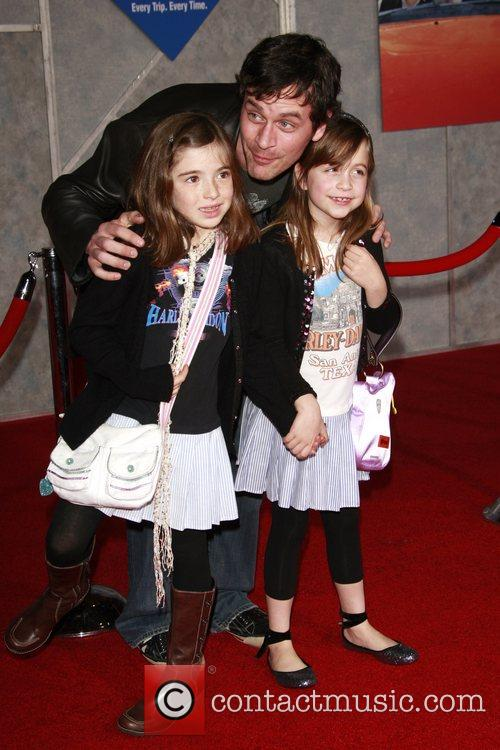 Tom Everett Scott and Family 7