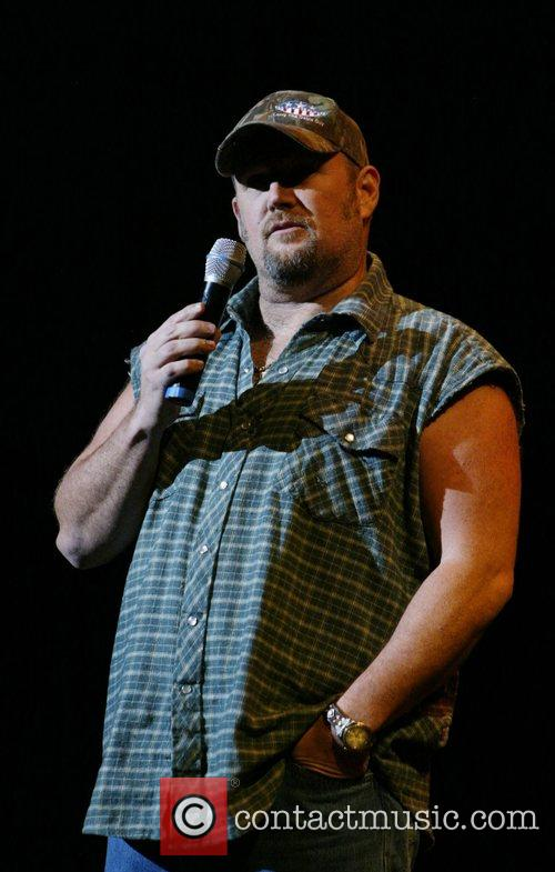 Larry The Cable Guy 12